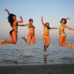 Ravenna - Studentesse di italiano in spiaggia